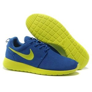 Nike Roshe Run Sneakers Size 8